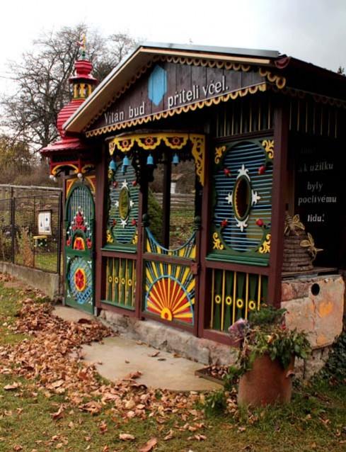 Krušlovský včelín (zdroj: http://www.kruslovskyvcelin.cz/)